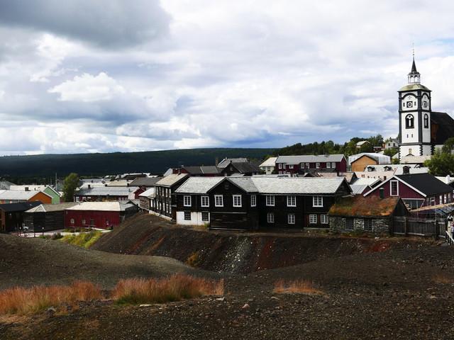 Flygstopp i halva Norge