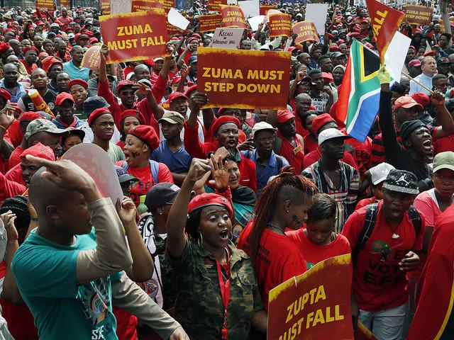 """Sydafrika utlovar """"bestämda"""" finansåtgärder"""