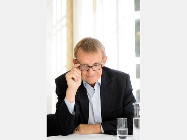 Längst kö till Hans Roslings bok