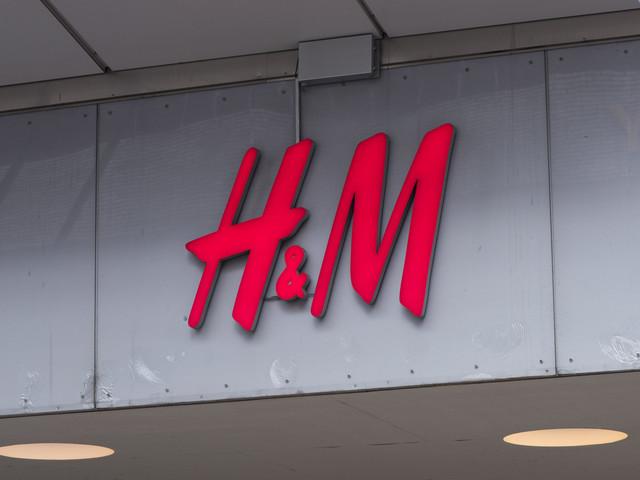 H&M avbryter tusentals permitteringar