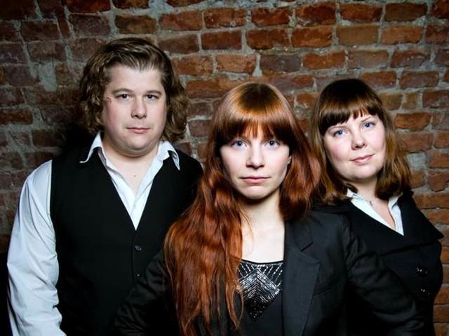 Smäktande toner från trio på turné