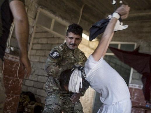 I hemliga utländska fängelser i Jemen torterar folk från emiraterna medan USA förhör