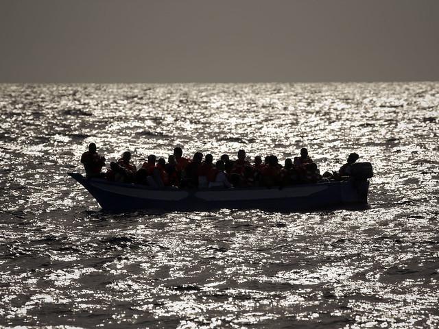 Över 100 befaras ha drunknat i Medelhavet