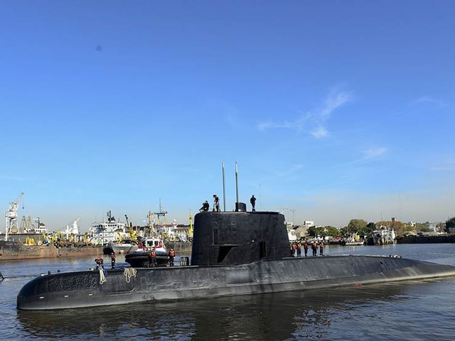 Bakslag i sökinsatsen efter ubåt