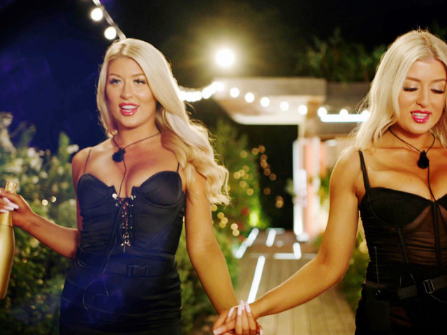 Love Island twins Jess and Eve Gale leave the girls FUMING as they arrive to steal from the existing couples