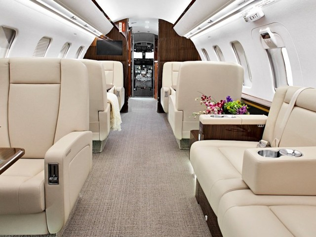 Here's how you can have an 18-course Michelin-star dinner on a private jet for less than £2