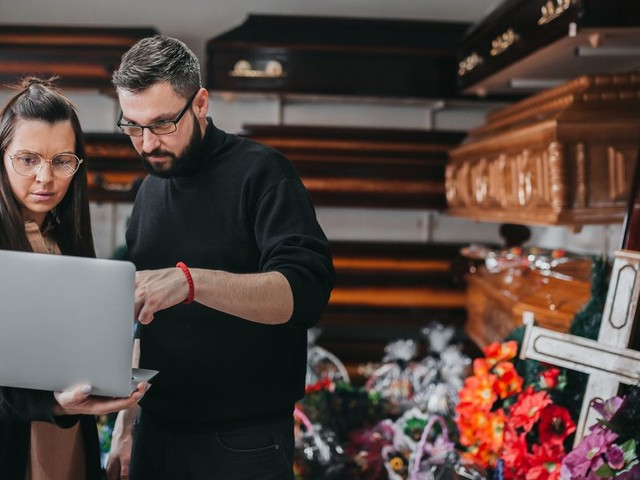 How to cut funeral costs - from cheapest day to putting walking boots in the flowers
