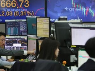 World shares mostly higher after rebound on Wall Street