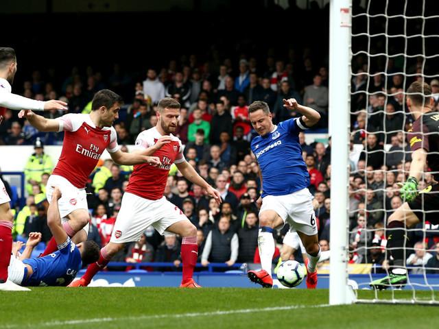 Premier League: Arsenal's woeful away form could blow top four chances