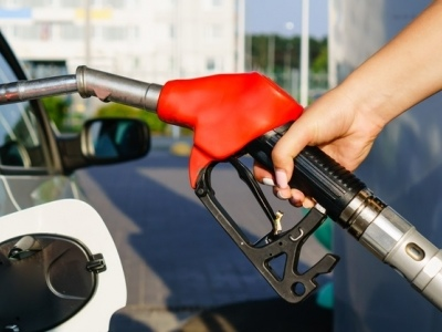 Oil Prices Fall On Significant Crude Build