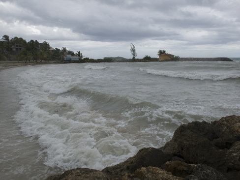 Deadly devastation as Irma rips through Caribbean
