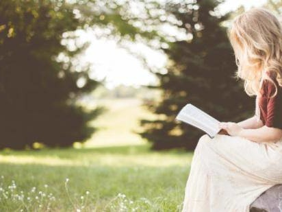 What You Should Know Before Dating A Christian Woman, According To The Bible