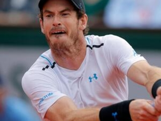 Murray withdraws from another exhibition with sore hip