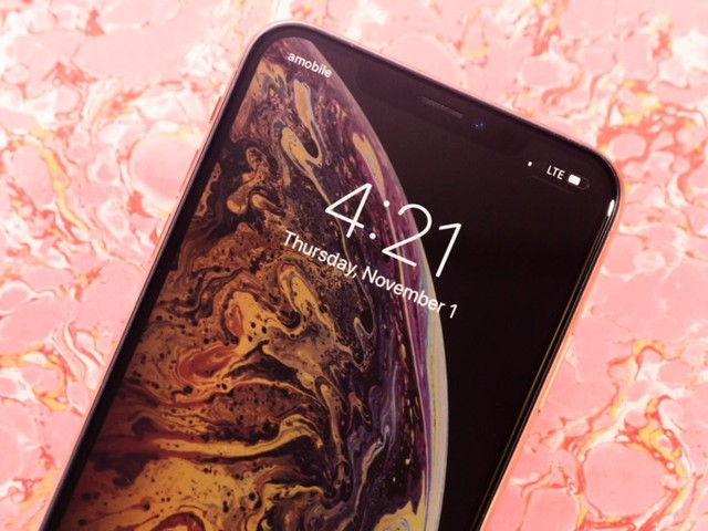 How to manually update the carrier settings on your iPhone to improve its performance and cellular connection