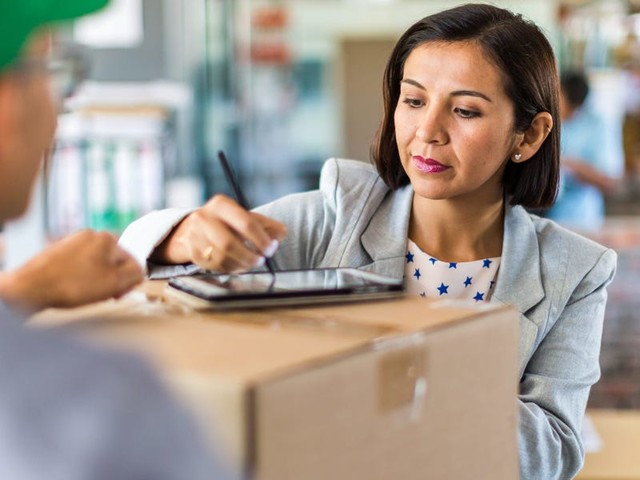 How to track down a missing FedEx package by filing a claim