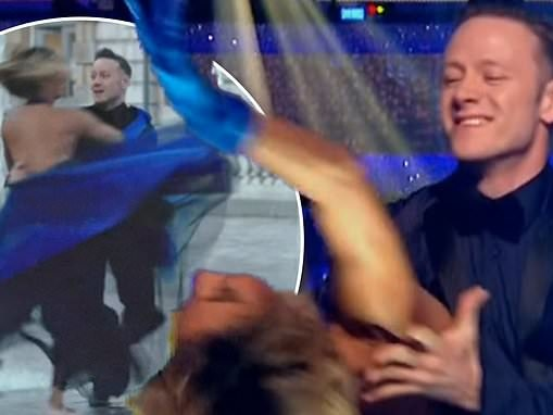 Strictly Come Dancing: Karen and Kevin Clifton dance together on show without a hint of bitterness