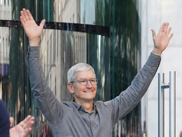 Next year is shaping up to be a huge moment for Apple as it's expected to reclaim dominance of the smartphone industry — here's what to expect in 2020 (AAPL)