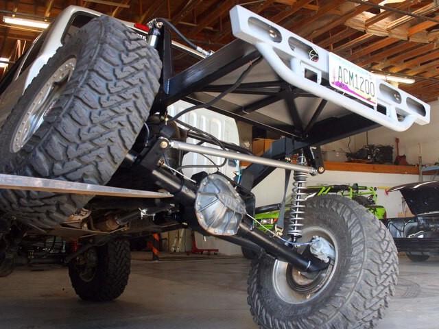DIY Trail Truck Three-Link Suspension