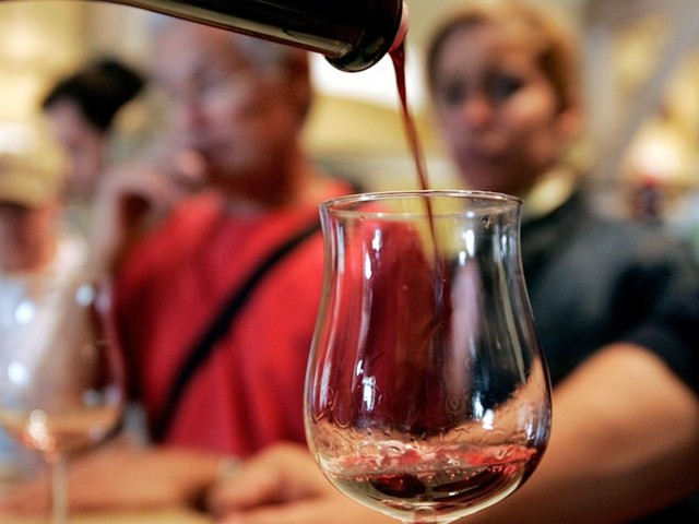 Instead of sipping, here's what you should do when your waiter serves you a sample glass of wine