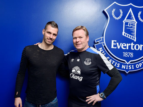 Official: French Midfielder Morgan Schneiderlin Moves From Man Utd To Everton In £24m Deal