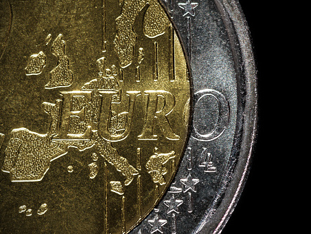 Eurozone Trade Surplus Rises To 11-Month High