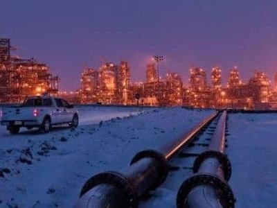 Pipeline Crisis Forces Canadian Oil Giants To Cut Jobs