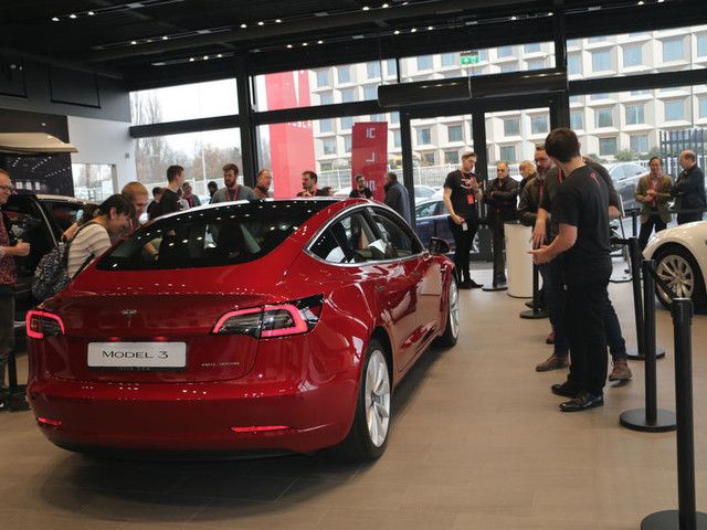 Tesla Model 3 to offer 200kW charging for UK buyers