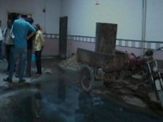 2 Brothers Cleaning Sewer At Delhi Mall Die After Inhaling Toxic Fumes