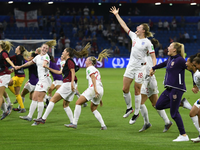 England's 'badass women' aim to bring the World Cup home