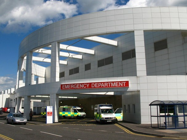 Ineffective regulation on discharge from English hospitals leaving patients at risk