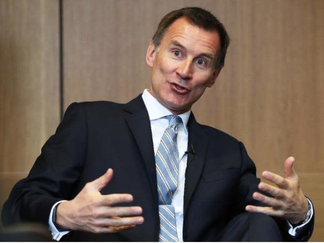 Coronavirus: Jeremy Hunt says UK should have locked down, started wearing masks and set up tracing system earlier