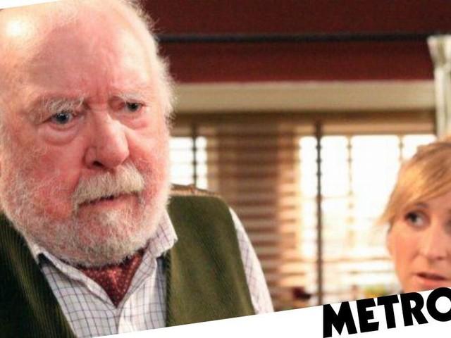 Emmerdale star Charlotte Bellamy pays tribute to legend Freddie Jones as Sandy Thomas leaves