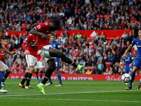 Lukaku wins battle of old boys, Chelsea held by Gunners