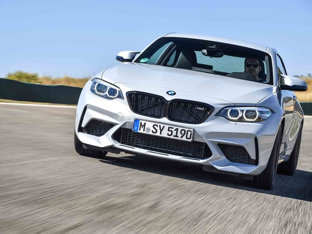 Road & Track puts BMW M2 Competition against Camaro SS