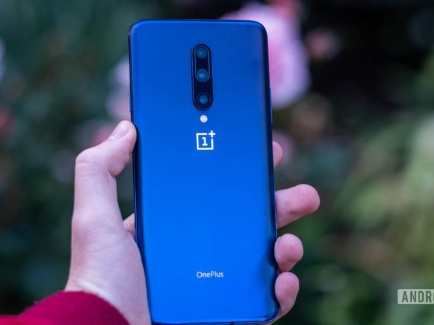 It's been 3 weeks since Android 10 'rolled out' to the OnePlus 7 and 7 Pro