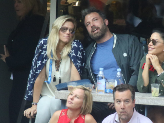 In Touch: Ben Affleck was drinking on Emmy's night with Lindsay Shookus