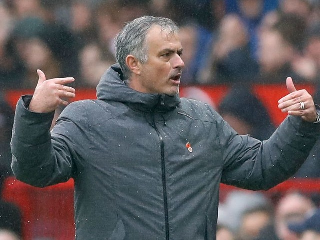 Manchester United 'begin talks for Argentinian sensation' with academy director prepared to wait for Newell's Old Boys talent