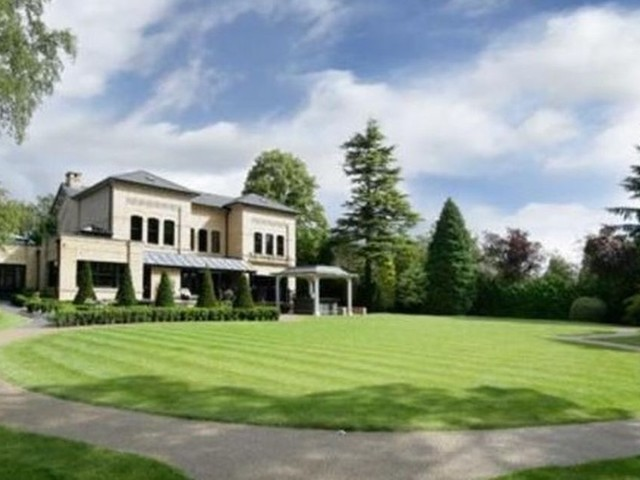 The multi-million pound houses for sale right now in Trafford - including a stunning 'Italianate' villa