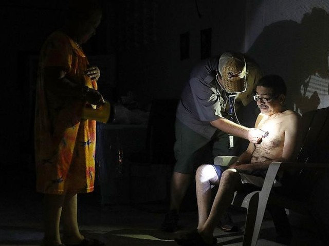 In Puerto Rico, Surgery by Flashlight Is Just the Beginning