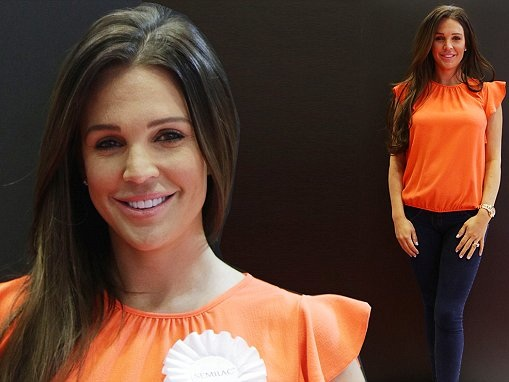 Danielle Lloyd shows off VERY slender post-baby body