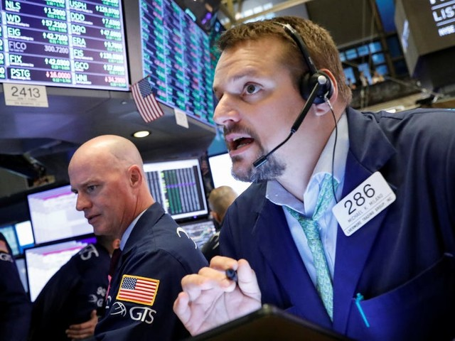 GOLDMAN SACHS: These 5 trades can help investors make a killing during a crucial earnings season