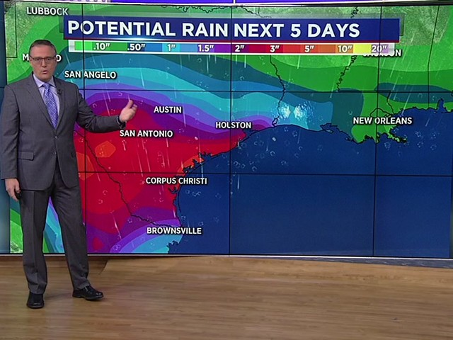 One Minute Weather: Tropical wave could send heavy rain into Texas Thursday
