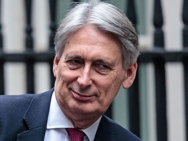 Pre-Brexit cheer for Hammond and economy