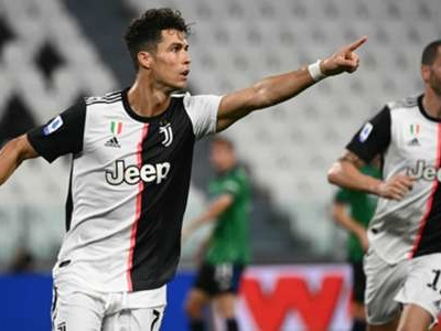 'Ronaldo is ready to perform another miracle' – Szczesny sounds warning to Juventus' Champions League rivals