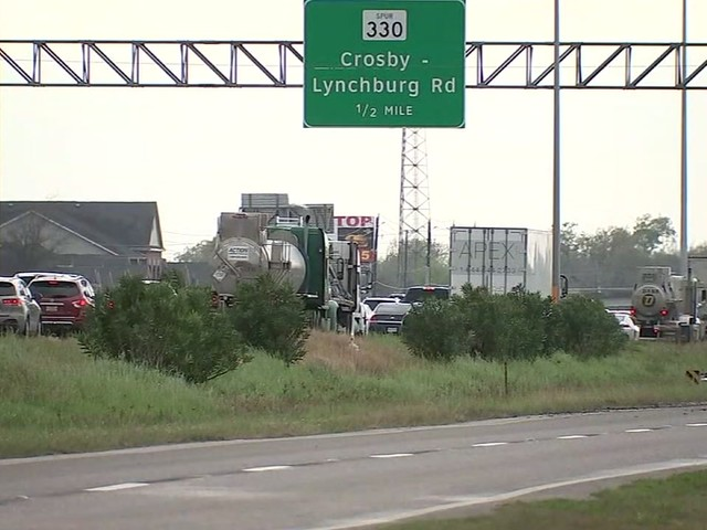 Baytown neighbors concerned by traffic after teen dies because EMS could not reach emergency