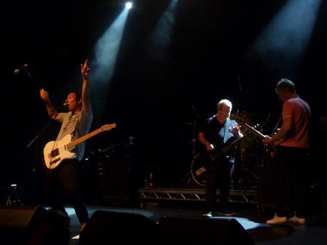 Buzzcocks/PINS : Manchester Ritz : Live Review