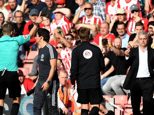 Manchester United fans furious about Klopp and Conte 'double standards' after Jose Mourinho sent off vs Southampton