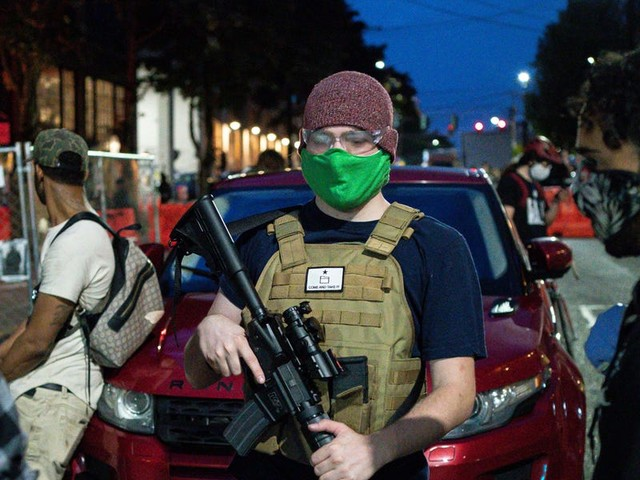 Fox News reportedly edited photos of Seattle's largely peaceful 'autonomous zone' to include an armed man in front of smashed storefronts