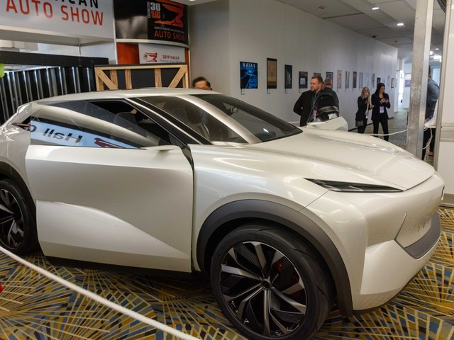 NAIAS 2019: Infiniti QX Inspiration Concept Hints at the Dangers of an Electrified Future