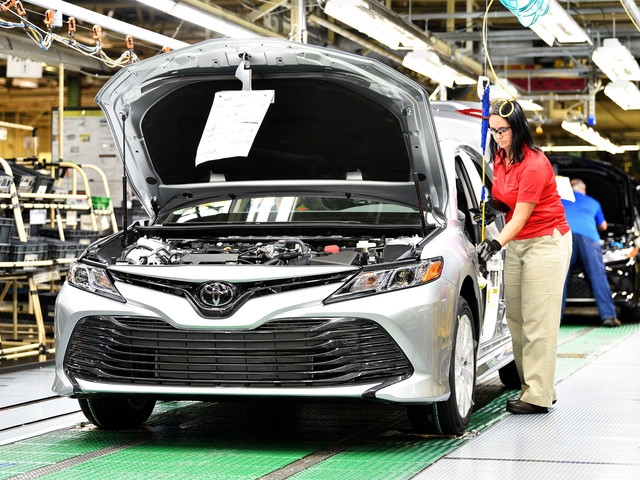 Toyota: It's Cheaper to Ship Camrys From Japan Than Make Them in U.S.
